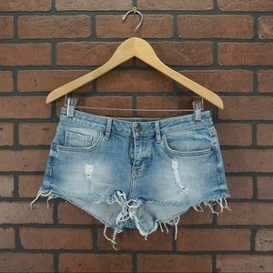 TOPSHOP Moto Daisy Frayed Cutoff Denim Shorts Sz 6
